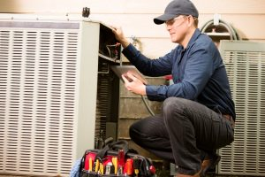 Air-conditioner-maintenance-technician